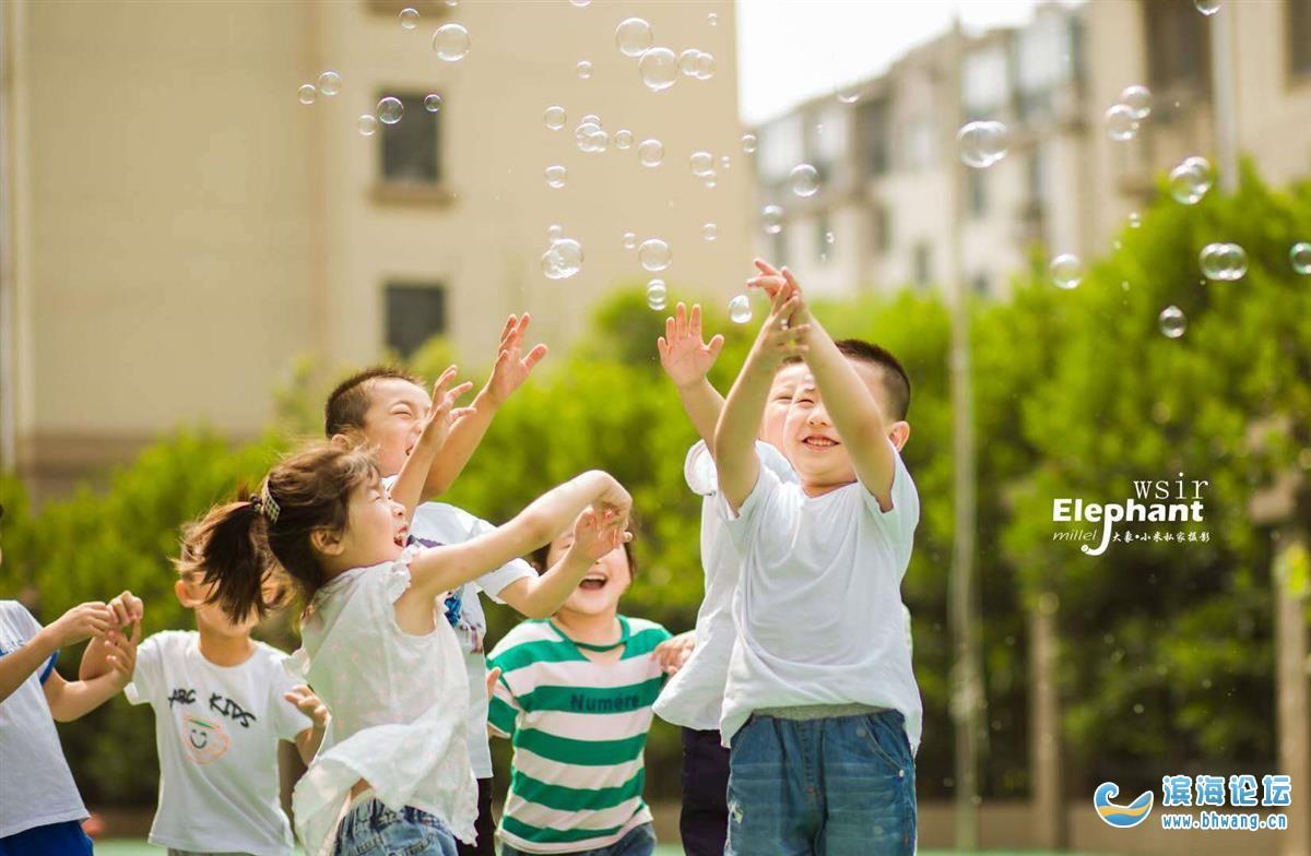 又逢毕业季了,分享一组近期幼儿园拍的花絮照!