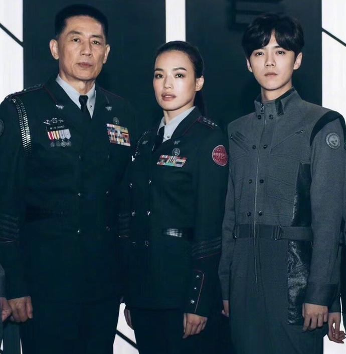 《上海堡壘》觀眾中途紛紛離場,本以為是科幻電影,結果愛被虐心