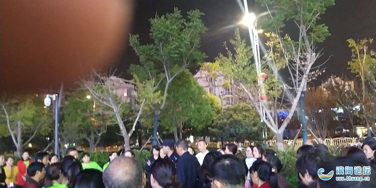 彩虹城樓下跳舞戰隊互相不讓 起矛盾,警察都來了