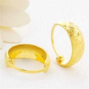 國慶節送婆婆一對金耳環,剛發現小姑子戴著呢!