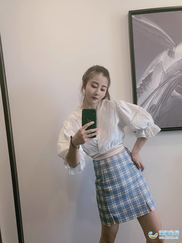 我以夏天的名義穿上短裙,也替月亮奪走你的心事