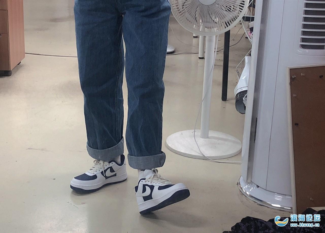 和老何的第一双耐克定制鞋,等了半个多月!总算等到了!