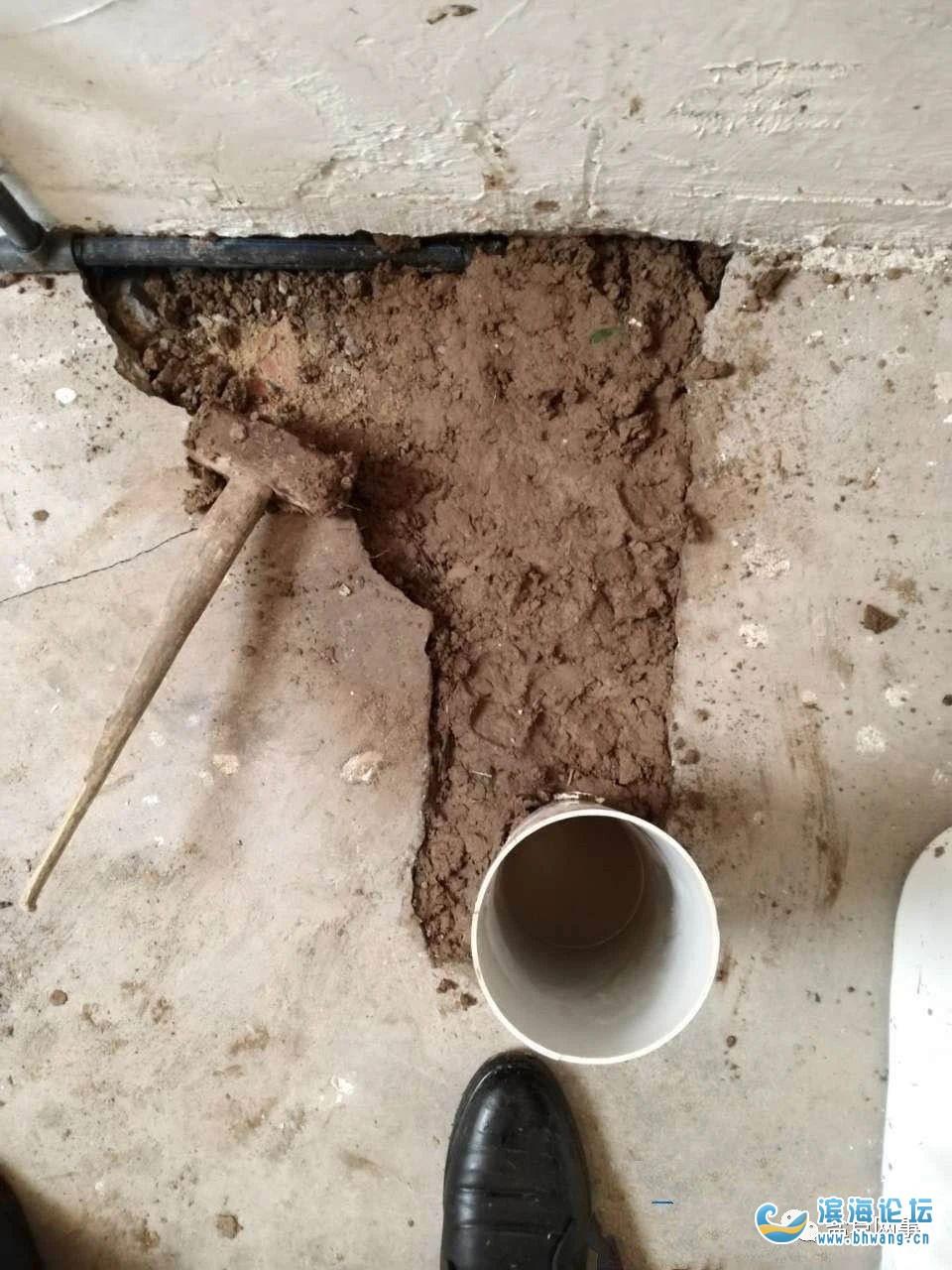 盐城一农村厕所改造被指偷工减料,豆腐渣!国家专项补贴进了谁的口袋?